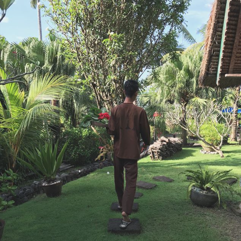 @jordstudio - Organic farming at @desaseni_avillageresort .This village resort offers farm to table food, daily yoga classes and an earthy, green experience just outside Canggu.